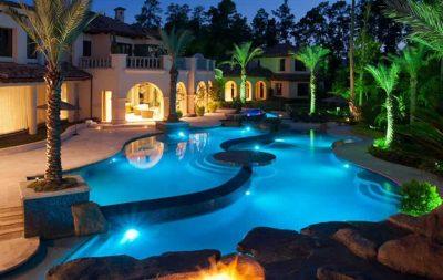 realizzazione piscine scenografiche illuminazione notturna
